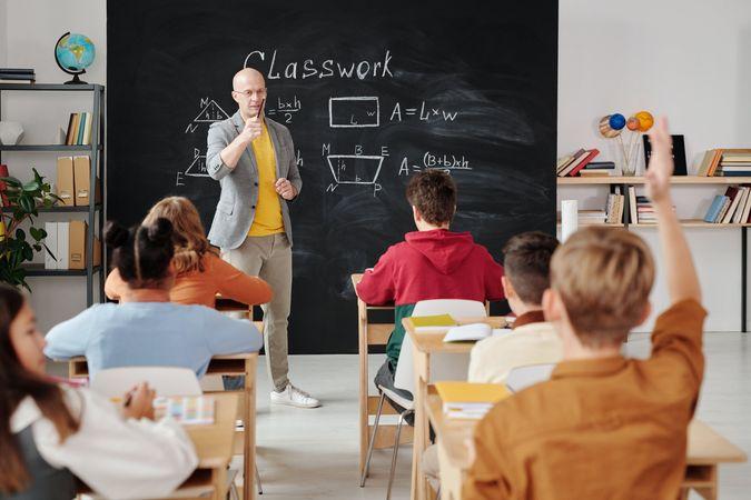 You are currently viewing 你多久沒有舉手發問了?跟猶太人學習如何每天鍛鍊思考why的方法!